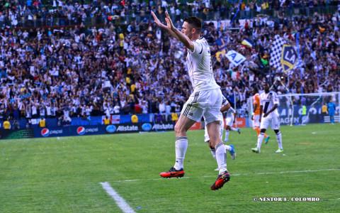 LA Galaxy Celebrates Win